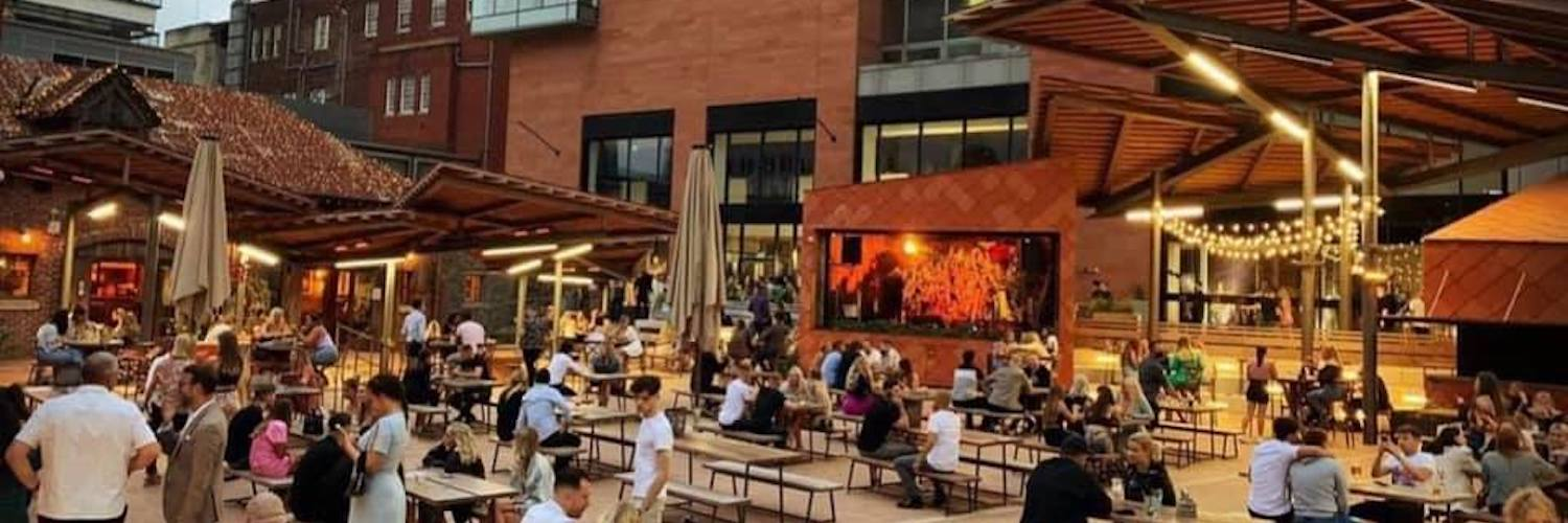 Outdoor seating on spinningfields at The Oast House